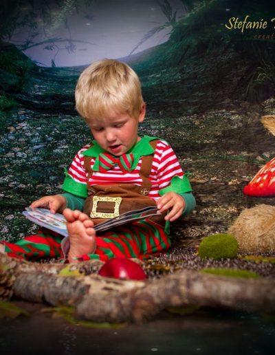 North Devon Photographer Fairies and Elves Fairy Elf Sitting Magical Woods Love Stefanie Wallace Photography