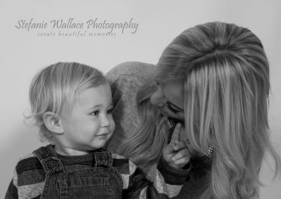 Mother Daughter Family Happy Monochrom Cuddles Snuggles Stefanie Wallace Photography
